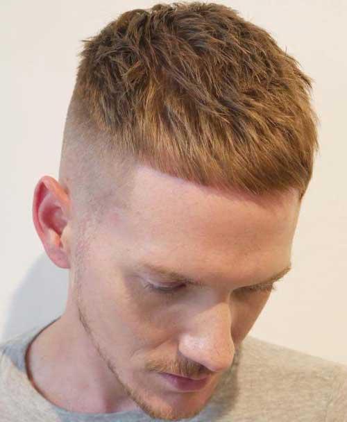 cabelo masculino raspado do lado com maquina