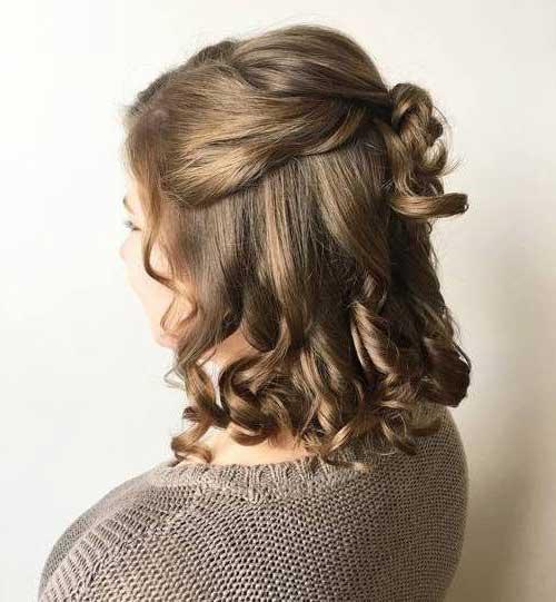 penteados semipresos em cabelos medios com cachos