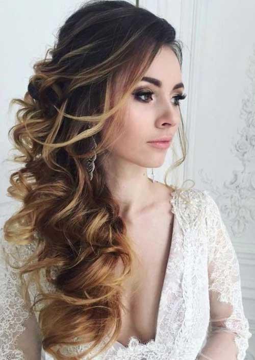 penteado com cabelo cacheado e franja