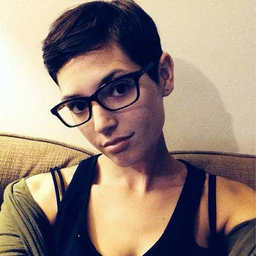 cabelo masculino em moça de oculos