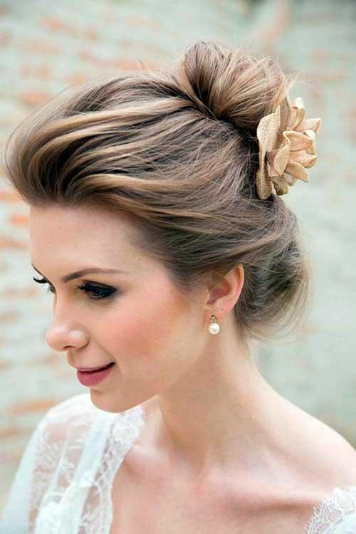 cabelo com flores lindas e acessorios