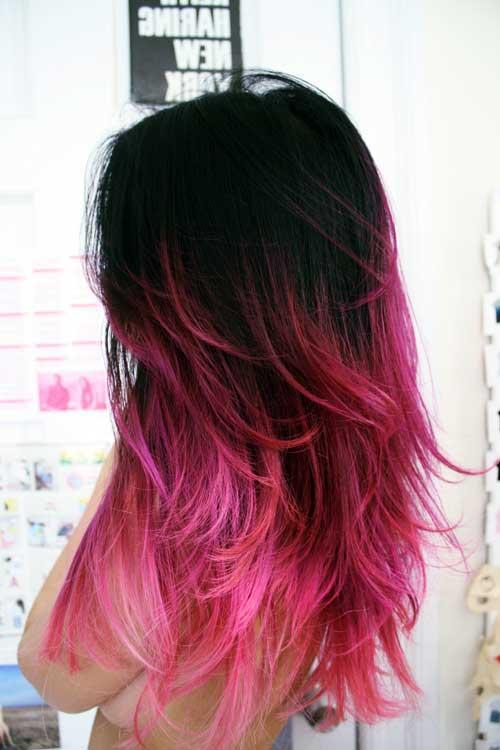 cabelo meio preto e meio rosa