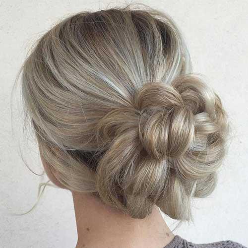 penteado tipo coque flor com volume