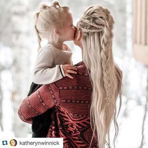 penteado da atriz de vikings