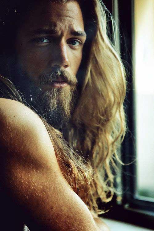 cabelos grandes de modelo