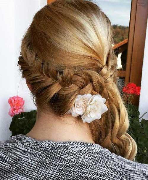 penteado romantico com trança e flores