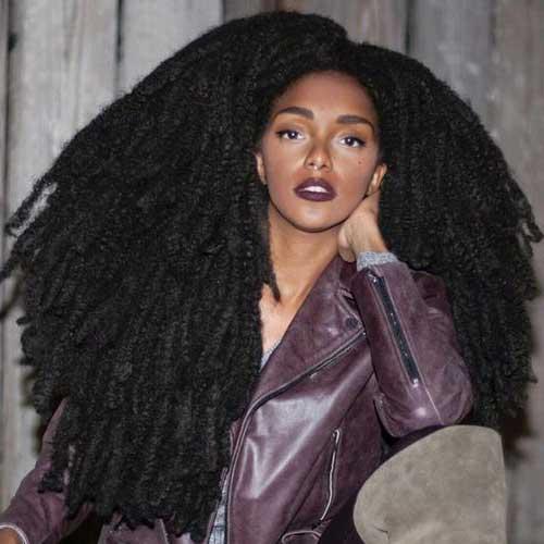 penteado afro solto em cabelo grande