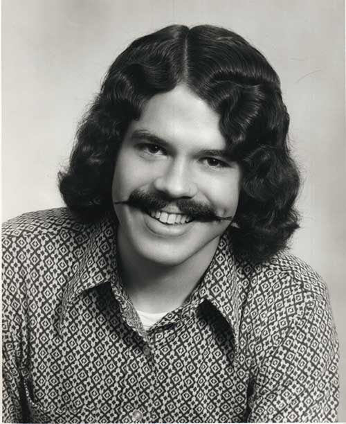 cabelo medio masculino anos 70