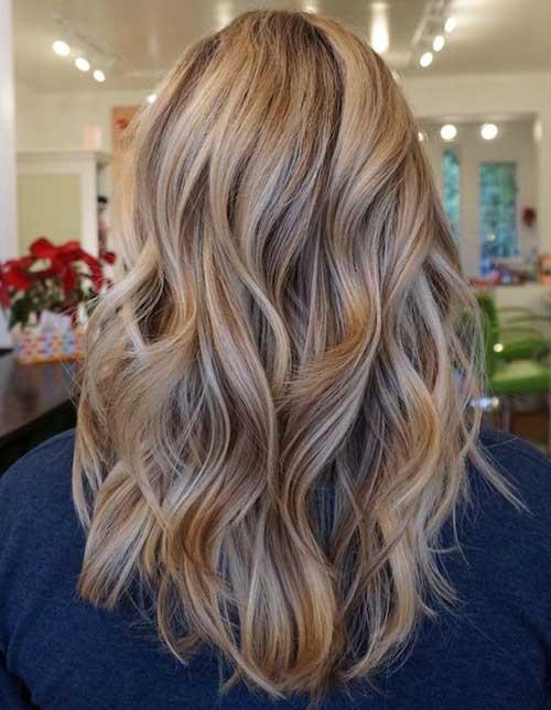 cabelos castanhos claros com reflexos loiros