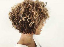 cabelo loiro com cachos