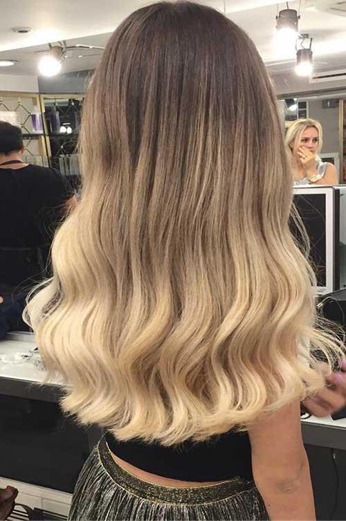 cabelo loiro quase marrom com mechas