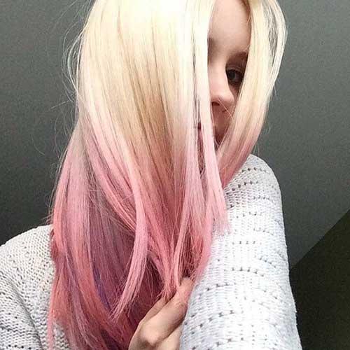 cabelo platinado com luzes rosa