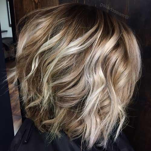 cabelo loiro com mistura de mechas