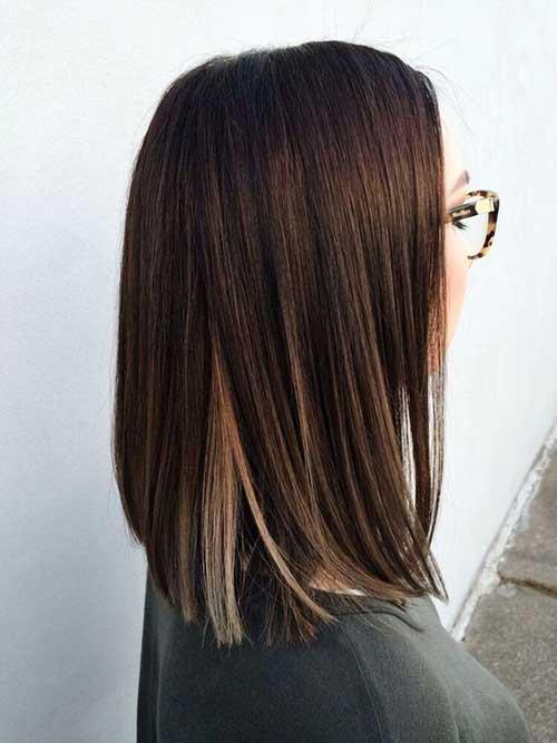 cabelo liso de penteado medio