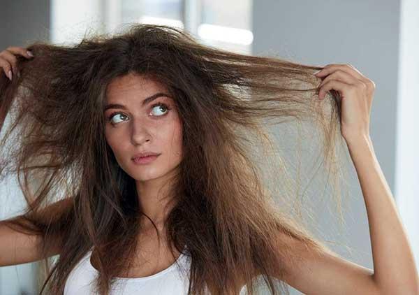 cuidado com o excesso de chapinha e secador no cabelo