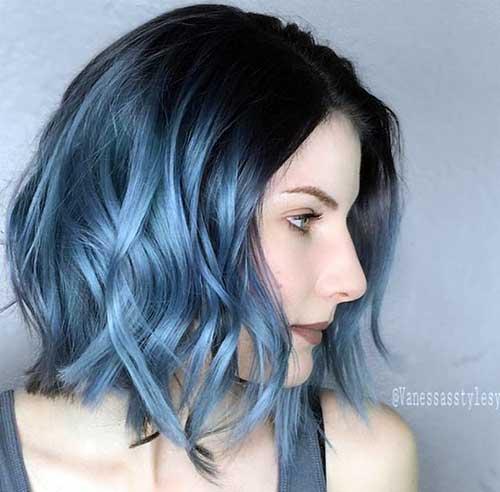 cabelo preto com ombre azul nas pontas