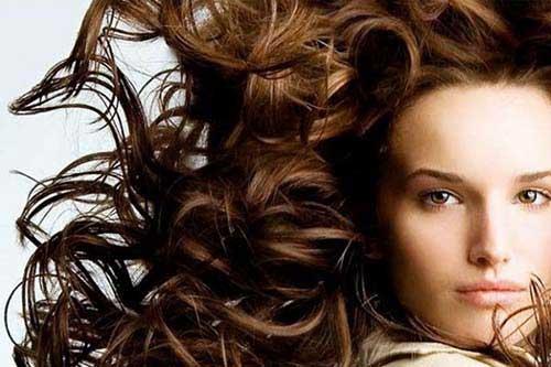 cabelos cacheados saudaveis