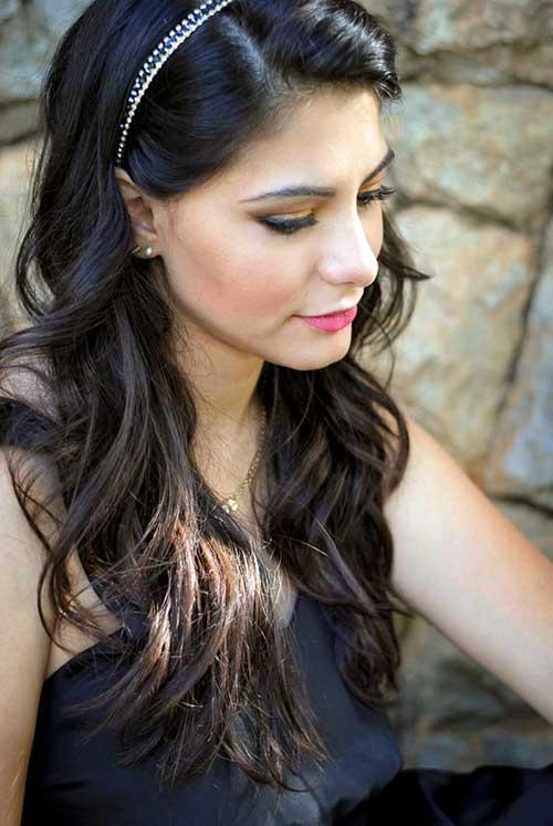 penteado com cabelo solto e arco