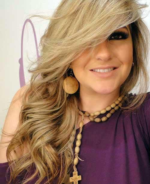 cabelo loiro com franjao