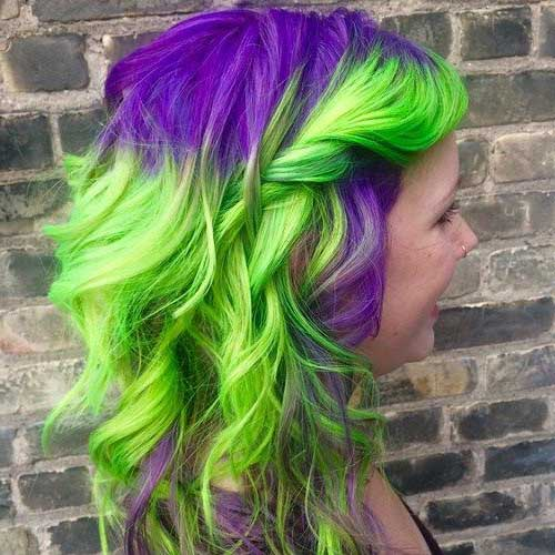 cabelo roxo e verde com tinta neon