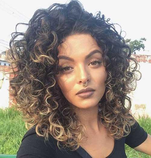 cabelos cacheados sem elasticidade