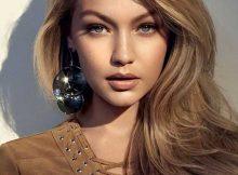 mantém a cor dos cabelos naturais e iluminados