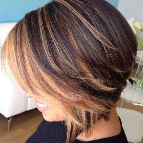 cabelos castanhos com luzes mel