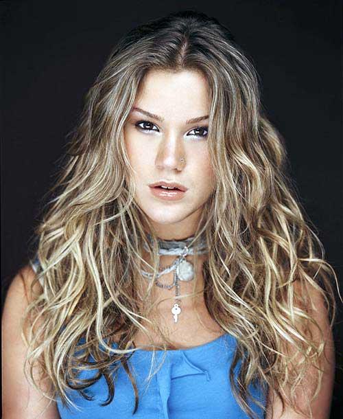 cabelo ondulado feminino de cantora