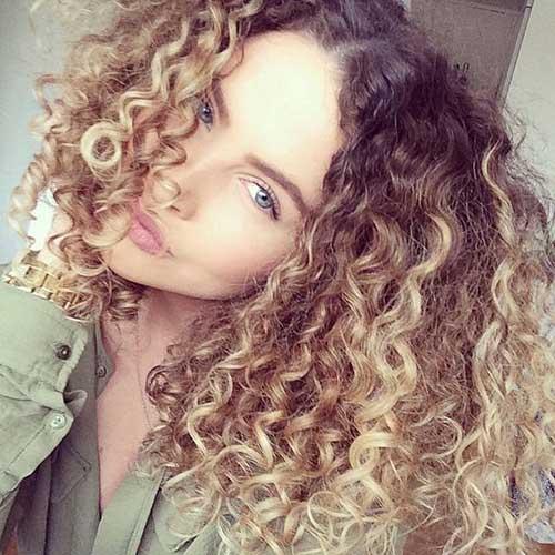 cabelos cacheados lindos