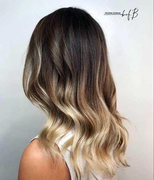 californiana loira claríssima no cabelo castanho