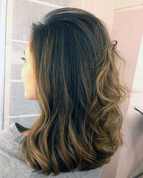 cabelo com mecha clara
