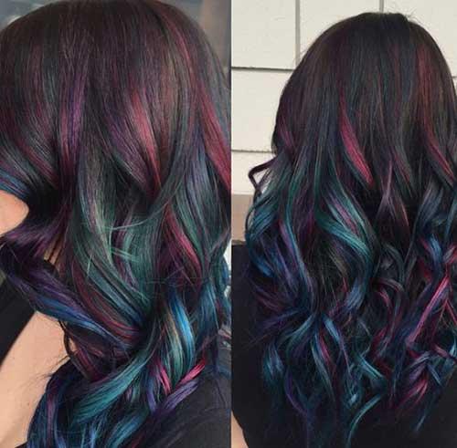 luzes coloridas no cabelo escuro