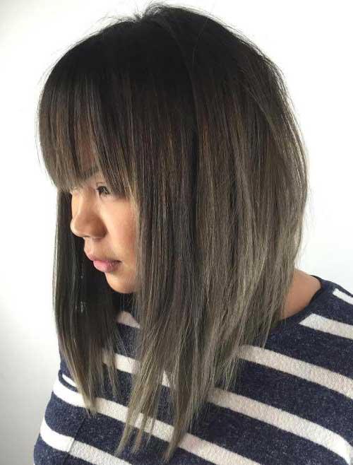 cabelo em v invertido com franja reta