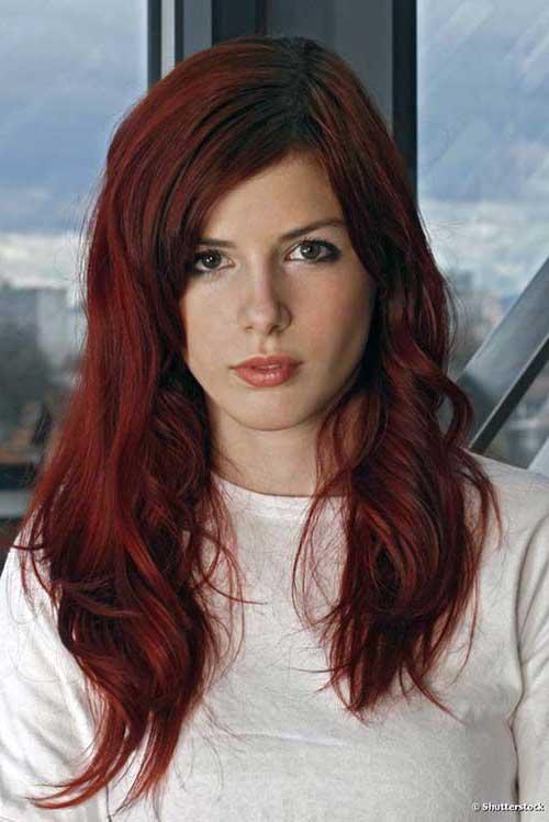 cabelos escuros vermelhos