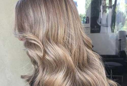 cabelo loiro acinzentado é uma cor chumbada