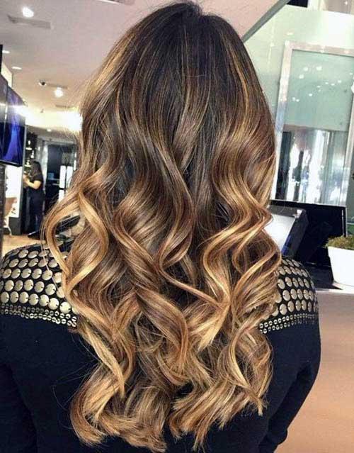 cabelos loiros dourados nas mechas somente
