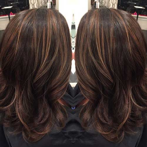 luzes invertidas nos cabelos escuros