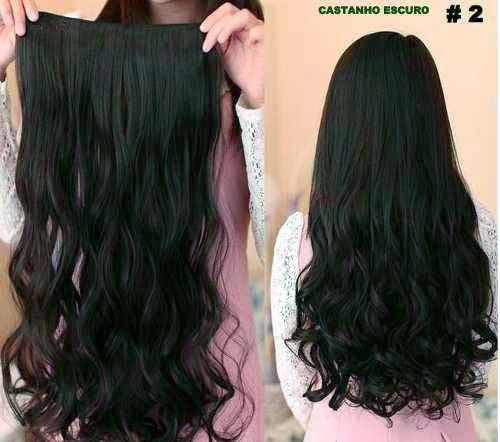 cabelos ondulados castanhos escuros