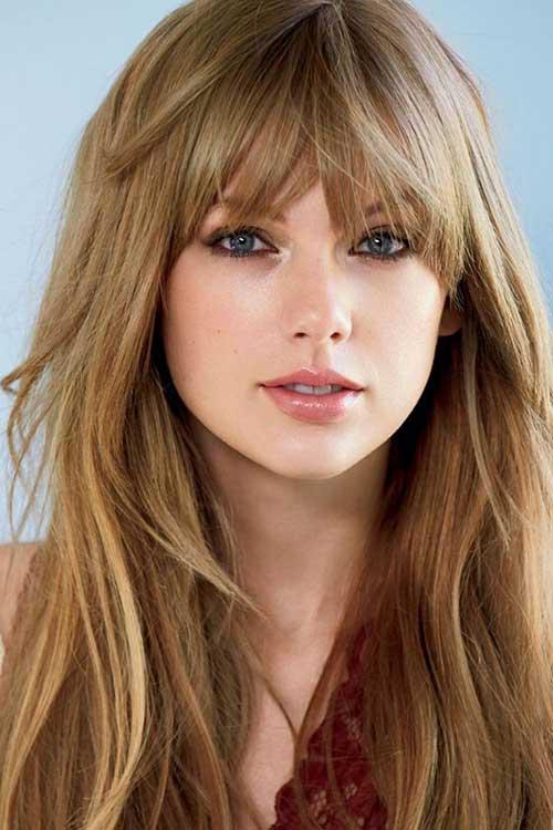cabelo liso natural da cantora