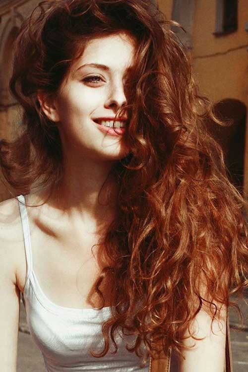 cabelo com retoque de luzes