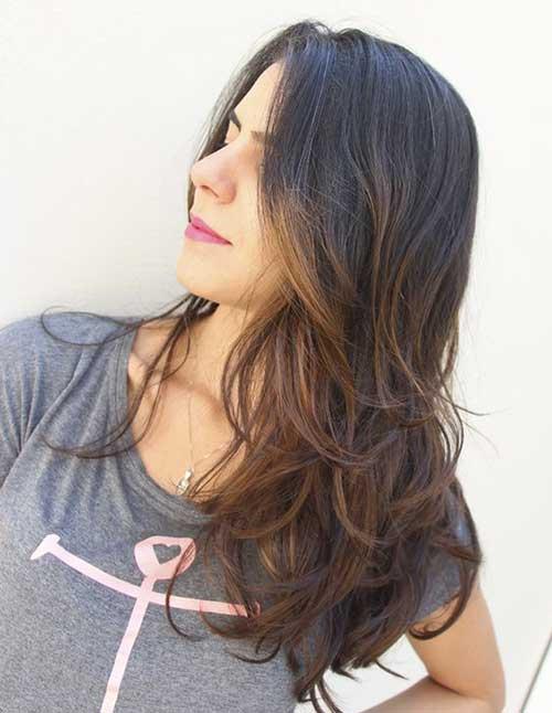 cabelo castanho escuro iluminado