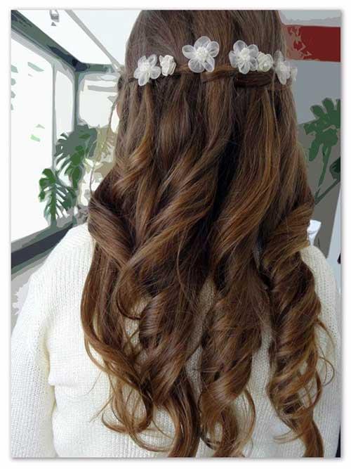 cabelo de daminha bonito com flores