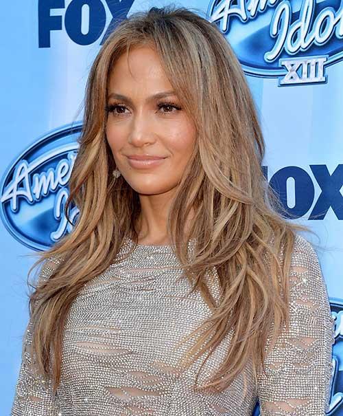 cabelo longo mais claro da atriz