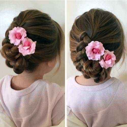 coque baixo floral pra dama de cabelo curto