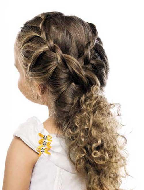 penteado com trancinha e cacheado