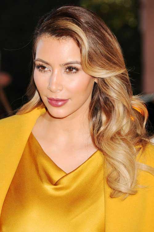 cabelo nas cores mel e loiro da kim