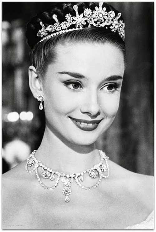 penteado vintage de tiara