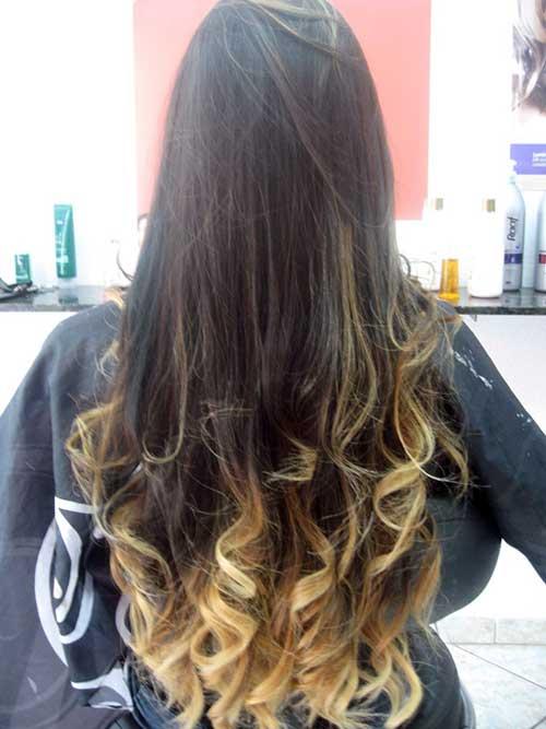 cabelo longo escuro com balayage