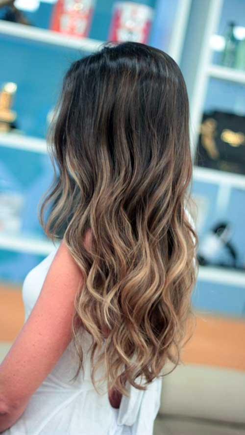 cabelo solto com ondas e madeixas