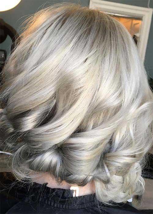 cabelo loiro claro acinzentado dourado ondulado curto